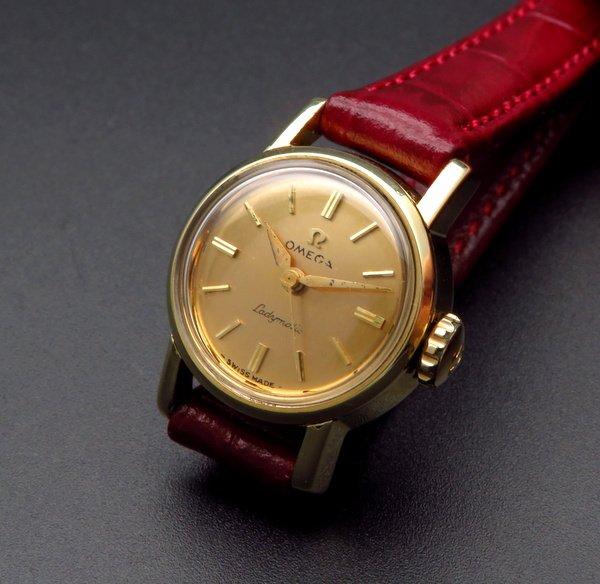 即納品  1961年製 アンティーク オメガ レディーマチック cal455 ゴールドキャップ アルファ針 レディース【OH済】