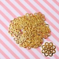 お花の透かしパーツゴールド(20枚入り)