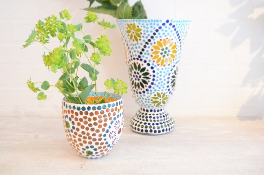 TWO'S tile motif candle holder