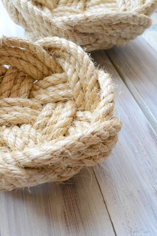 TWO'S rope bowl