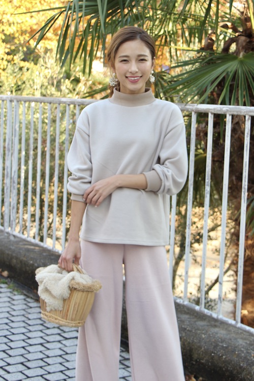 LaLaLei high-neck greige knit TOPS