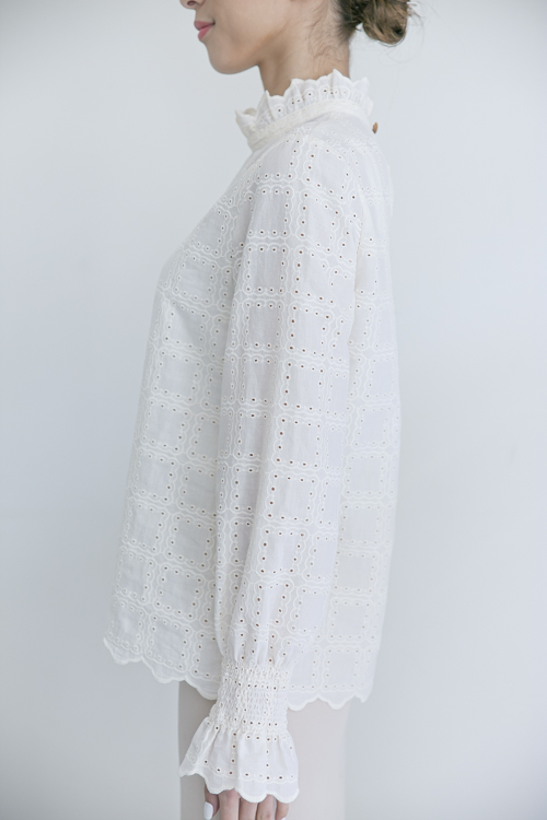 LaLaLei high-neck  White cotton blouse