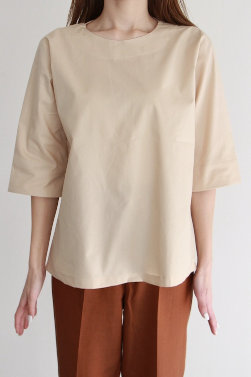 mila.vert  Half-length sleeve beige cotton blouse