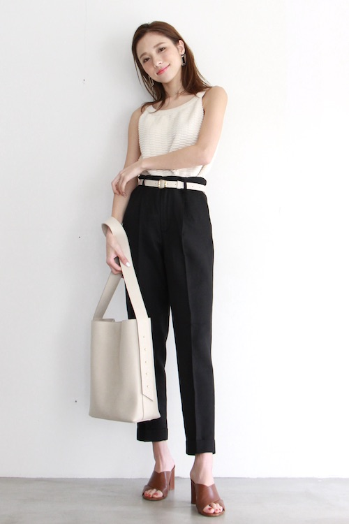 mila.vert white square shoulder bag