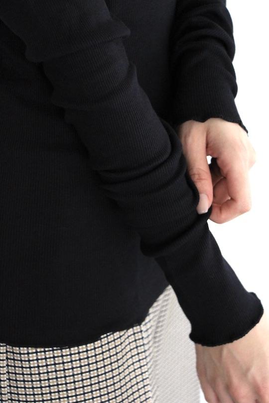 Simple mellow sleeve black TOPS