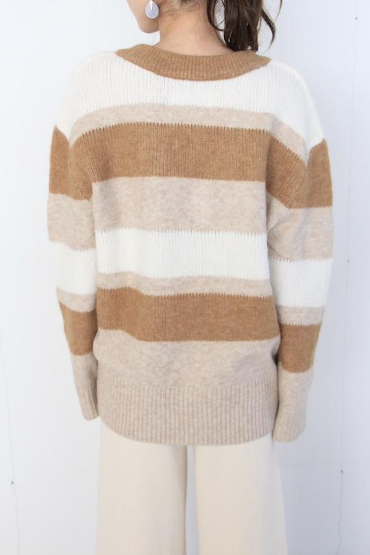 Simple mulch color border Vneck knit