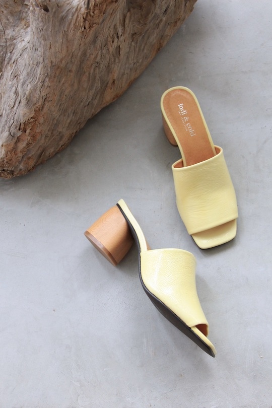 indi&cold Yellow sandals