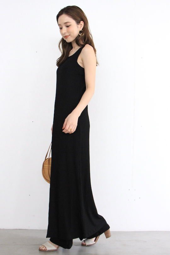 RITA ROW Front slit sleeve less tops black