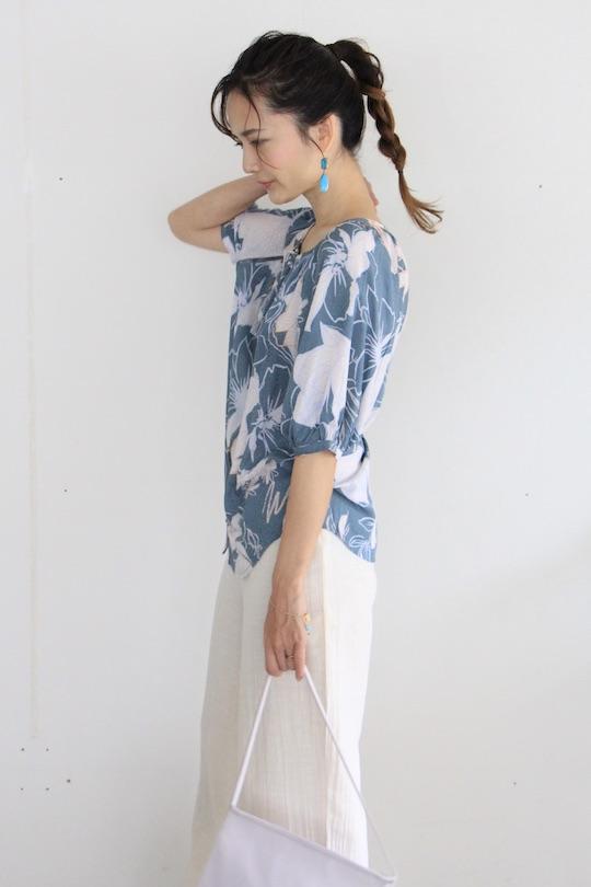 Love stitch flower design rayon shirt TOPS blue
