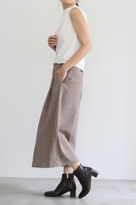 LaLaLei high-neck white sleeveless TOPS