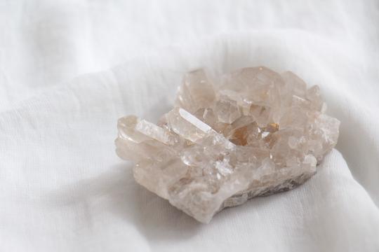TOBIAS&ALYSHA laser quartz cluster