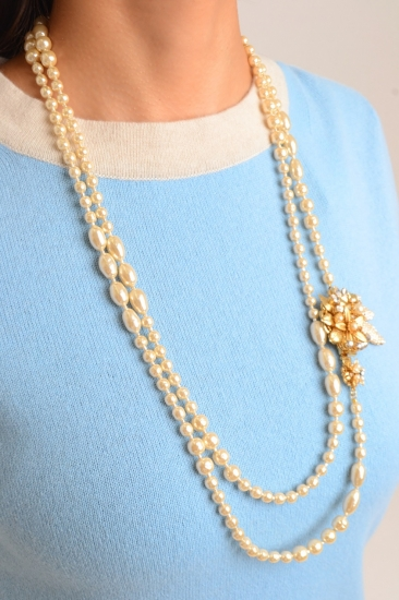 MIRIAM HASKELL Flower pearl long necklace
