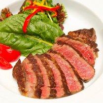 「送料込み」土佐あかうし モモ肉ステーキ(300g)/【ほどよい霜降りと、旨みと甘みたっぷりの赤身が美味しい】