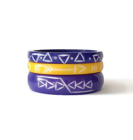 <img class='new_mark_img1' src='https://img.shop-pro.jp/img/new/icons1.gif' style='border:none;display:inline;margin:0px;padding:0px;width:auto;' />Los Flamingo Wide Blue Arrowhead Bangle