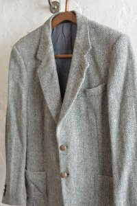 <img class='new_mark_img1' src='https://img.shop-pro.jp/img/new/icons13.gif' style='border:none;display:inline;margin:0px;padding:0px;width:auto;' />【HARRIS TWEED ハリスツイードジャケット グレー】