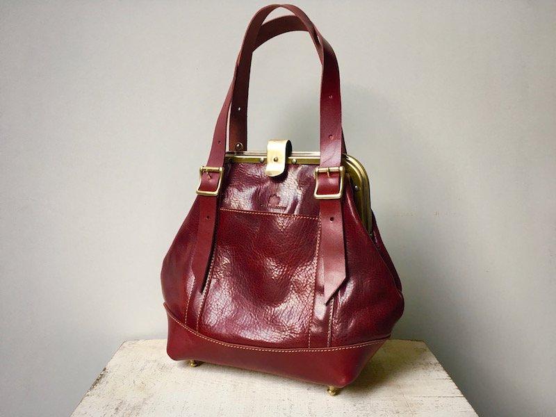 【受注製作(納期約1ヶ月)】栃木レザー製*ヌメ革がまぐち2wayバッグ「montagna」M(ボルドー)
