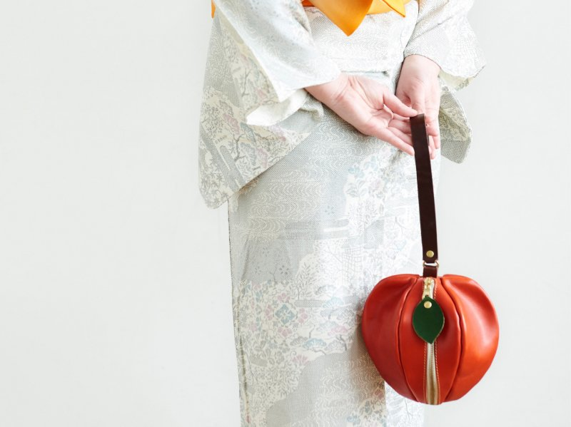 【納期約1ヶ月】栃木レザー*巾着風ミニポーチ 「pomme」(レッド)