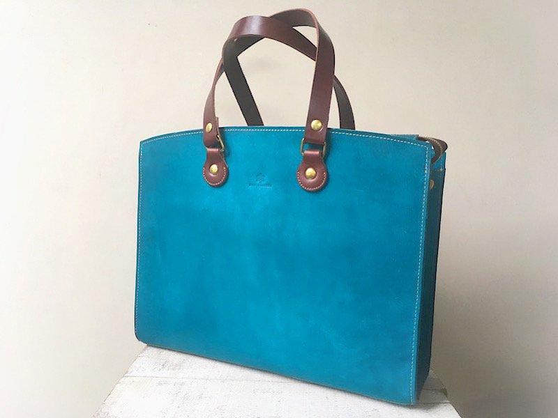 国産ヌメ革のビジネスバッグ