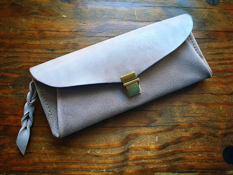 【受注製作(納期約1ヶ月半)】吟擦りヌメ革*カード8枚長財布 「series-envelope」ストーングレー