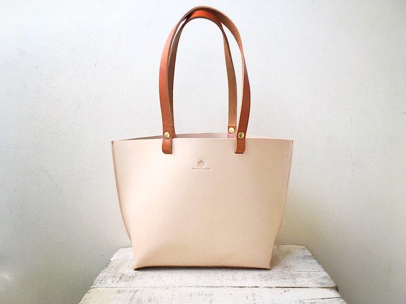 【受注製作(納期1ヶ月)】じっくり育てる本ヌメトートバッグ(お手入れオイル付き)