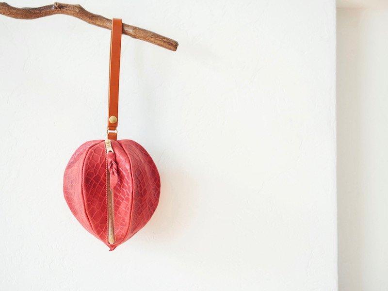 【受注製作(納期約3週間)】型押しヌメ革のほおずき巾着風ポーチ
