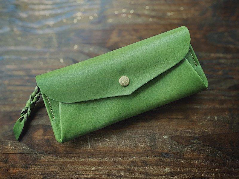 【受注製作(納期約3週間)】カード8枚長財布 「series-envelope」リーフグリーン