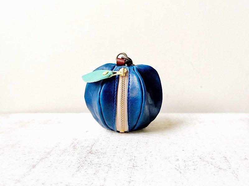 【10/31まで期間限定販売◆受注製作(納期約1週間)】ヌメ革ミニポーチ「pomme」 ハロウィンの青りんご