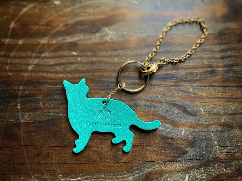 【受注製作(納期約1週間)】お散歩猫のレザーバッグチャーム