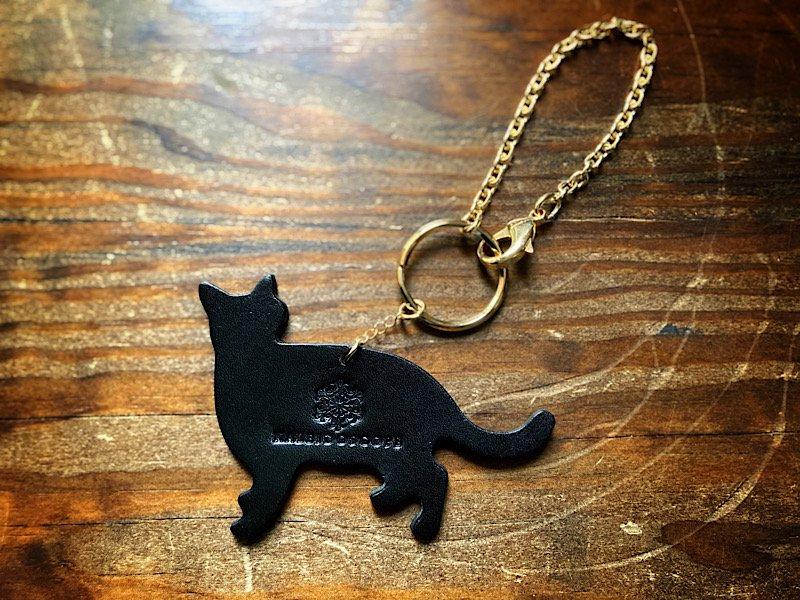 【受注製作(納期約1週間)】おさんぽ黒猫のレザーバッグチャーム