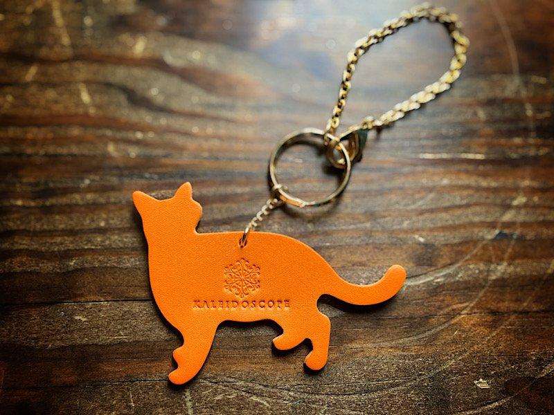 【受注製作(納期約1週間)】お散歩みかん猫のレザーバッグチャーム