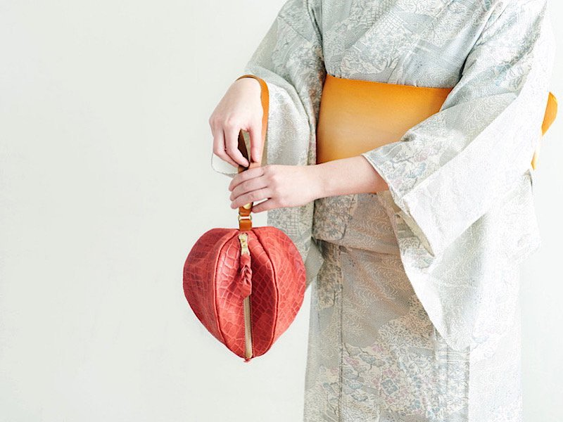 【受注製作(納期約2週間)】2way仕様◆型押しヌメ革のほおずき巾着風ポーチ