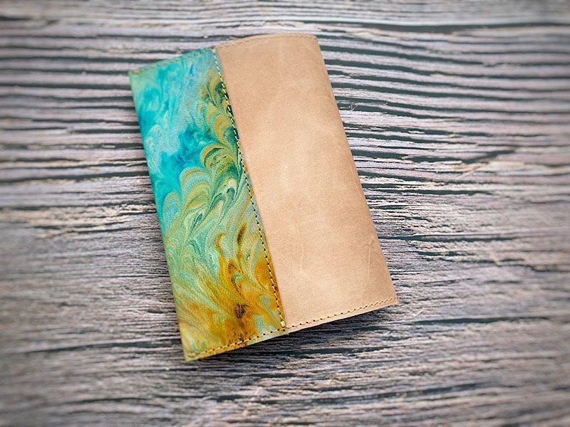 【一点モノ!即発送可能です】エイジングが楽しめる、国産吟スリヌメ革×マーブル染め革のブックカバー(No.49)