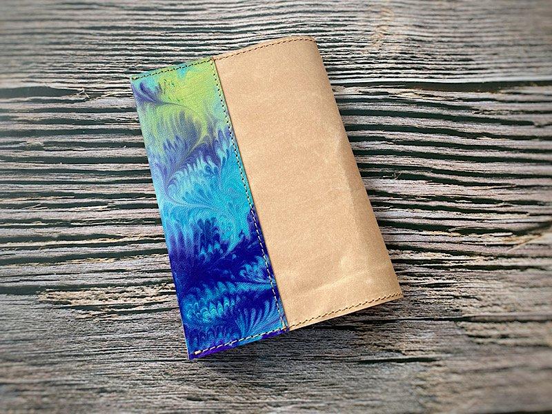 【一点モノ!即発送可能です】エイジングが楽しめる、国産吟スリヌメ革×マーブル染め革のブックカバー(No.52)