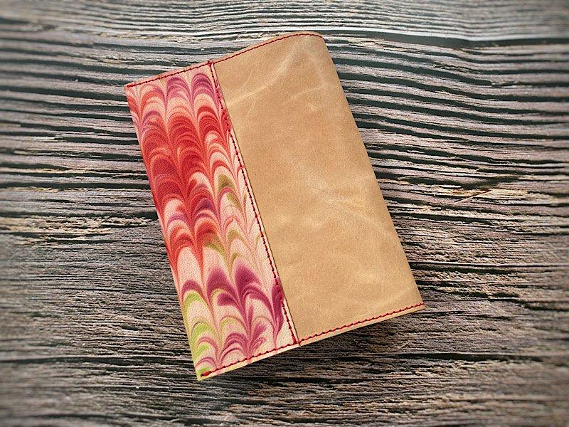 【一点モノ!即発送可能です】エイジングが楽しめる、国産吟スリヌメ革×マーブル染め革のブックカバー(No.59)