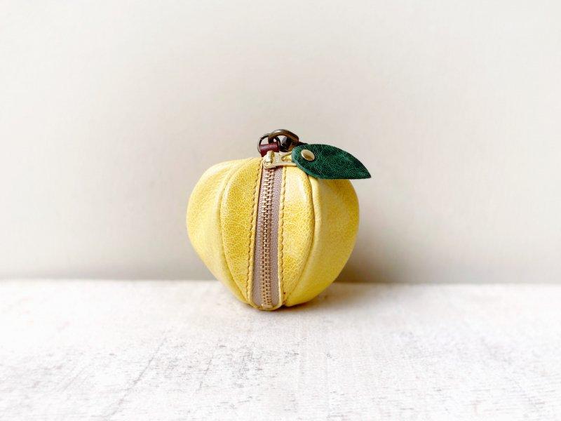 【受注製作(納期約1週間)】山羊ヌメ革ミニポーチ「pomme」 黄色いりんご
