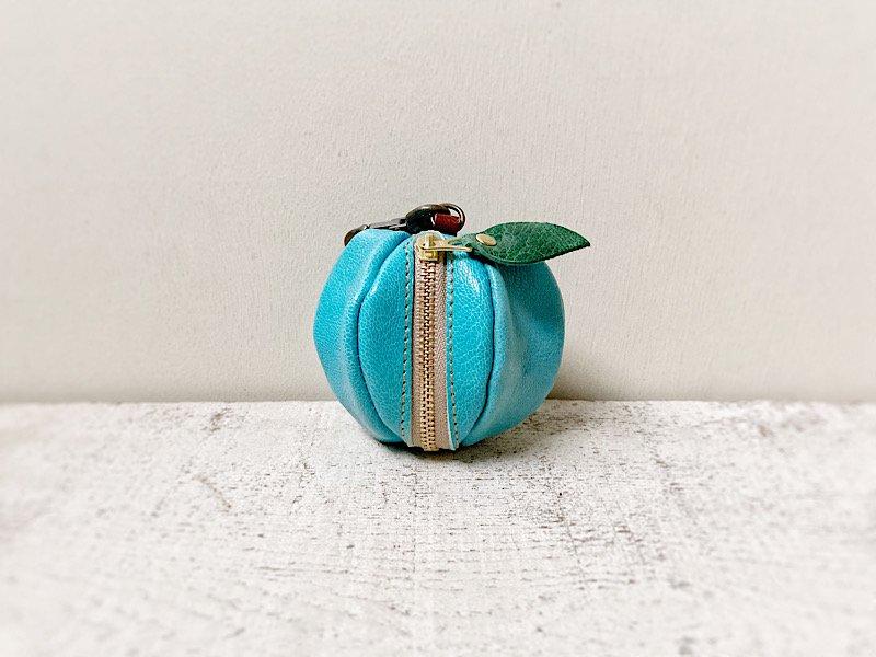 【受注製作(納期約1週間)】山羊ヌメ革ミニポーチ「pomme」 みずいろのりんご