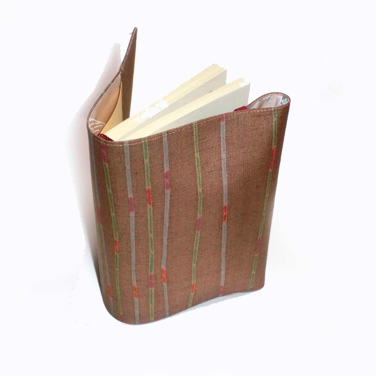 本の着物 茶色の縞紬のブックカバー バレンタイン