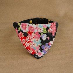 浴衣みたいな桜の<br>バンダナ(黒)