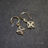 4 petal flower earrings �