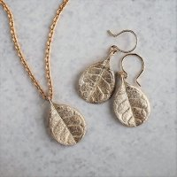 クリスマス限定セット Feijoa small leaf necklace & Earring