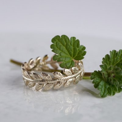 Rose leaf ring