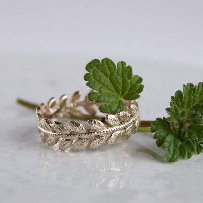 Rose leaf ring