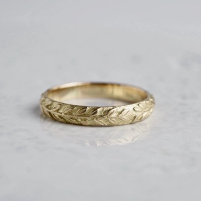 K18  Laurel wreath ring