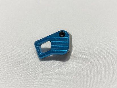 IRON Airsoft:BAD強化マガジンリリース Lサイズ(ブルー)の商品画像