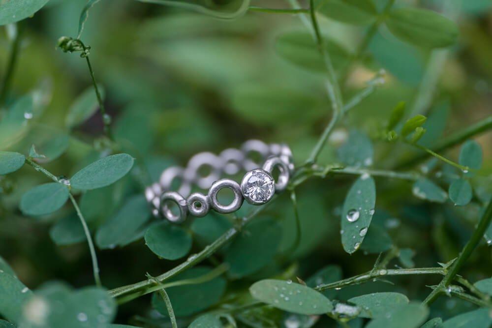 雨上がりの指輪