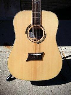 Michael Kelly Triad 10E Natural ギター
