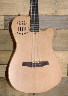 Godin ACS Slim Nylon Cedar Electro Acoustic Guitar Natural Finish w/ Gig Bag ギター