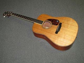 Larrivee D-05 ギター