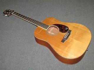 Larrivee D-03 MHO ギター