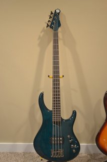 MTD Kingston Artist 4 String Bass ギター